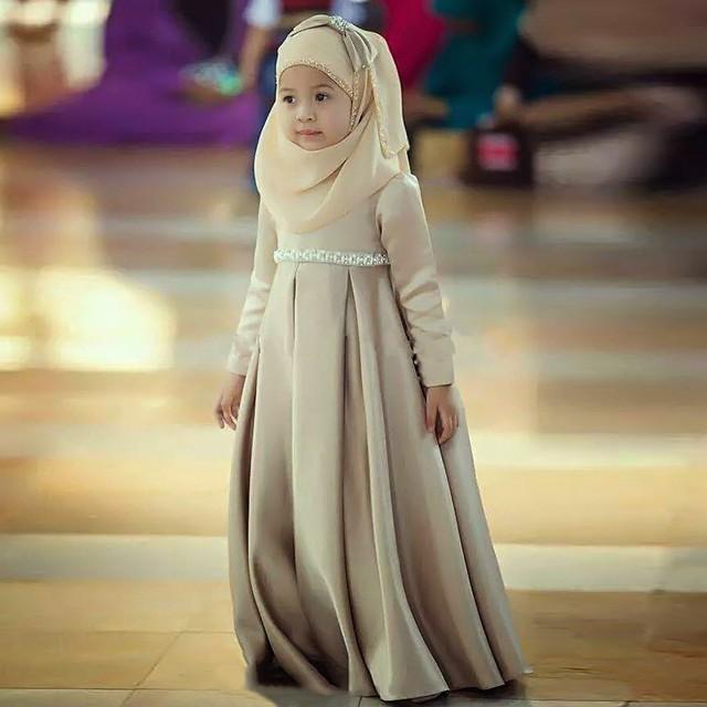 abddc5c595d Wedding Party Muslim Children Dress Beaded High Neck Floor-Length Flower  Girl Dress Long Sleeves ZAHY New Taffeta A-Line Vestido