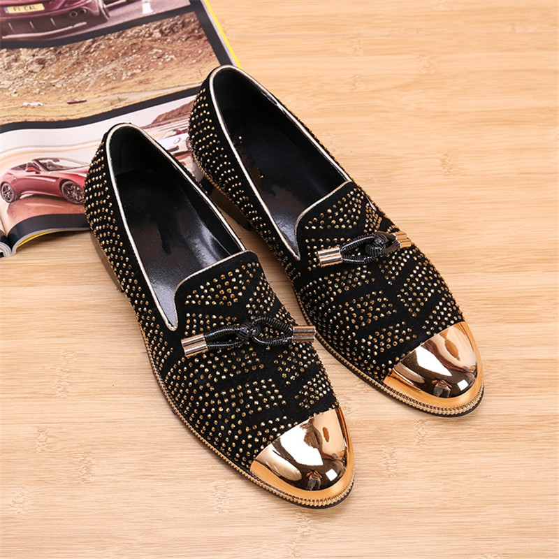 Fashion Rhinestones Embellished Protection Iron Head Round Toe Shoes Leather Breathable Slip-on Flats Men Casual Shoes Loafers women round toe flower ladies beautiful flats shoes green fashion rubber sole applique loafers walking slip on embellished 2017