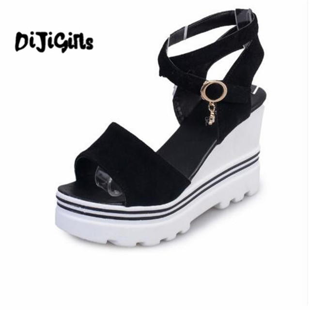 65ab7d110bb4 2018 Summer Korean muffin fish head women sandals with platform sandals  wild simple shoes shook with students in