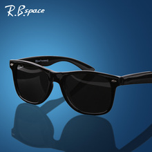 RBspace Unisex fashion vintage Polarized sunglasses man Classic Brand Rivets Metal Design men women retro glasses