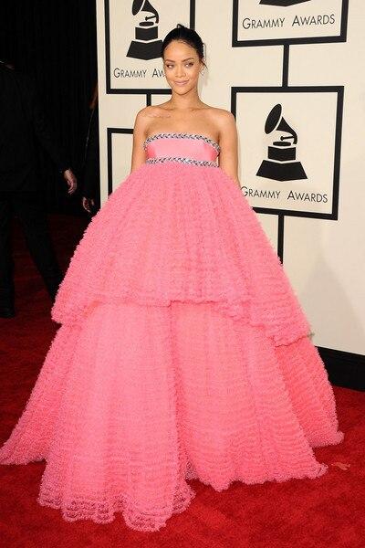 Baru Kedatangan Pink Celebrity Dresses Rihanna Pink Strapless Beaded Celebrity Evening Ball Gown Prom Dress 2015 Grammy Awards Gown Dress Tulledress Ball Gown Aliexpress