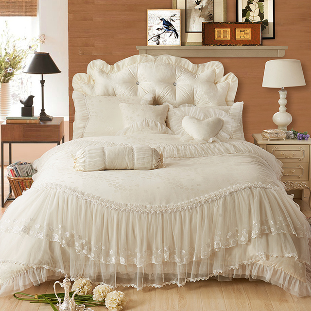 4/6/8pcs Princess style Jacquard Bedding Set white Bed Skirt lace Duvet Cover wedding bed Sets Queen King cotton Bed Linen
