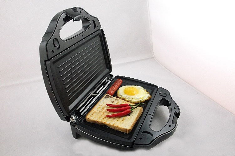Hot ! Safety Adjustable Temperature Contral Sandwich Maker 220V Home Use Electric Waffle Maker Machine Kitchen Appliance ToolsHot ! Safety Adjustable Temperature Contral Sandwich Maker 220V Home Use Electric Waffle Maker Machine Kitchen Appliance Tools
