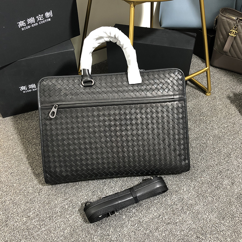 Customized Waxed Cowhide Business Man Bags Genuine Leather Hangbags Classic Leisure Hand Knitted Briefcase