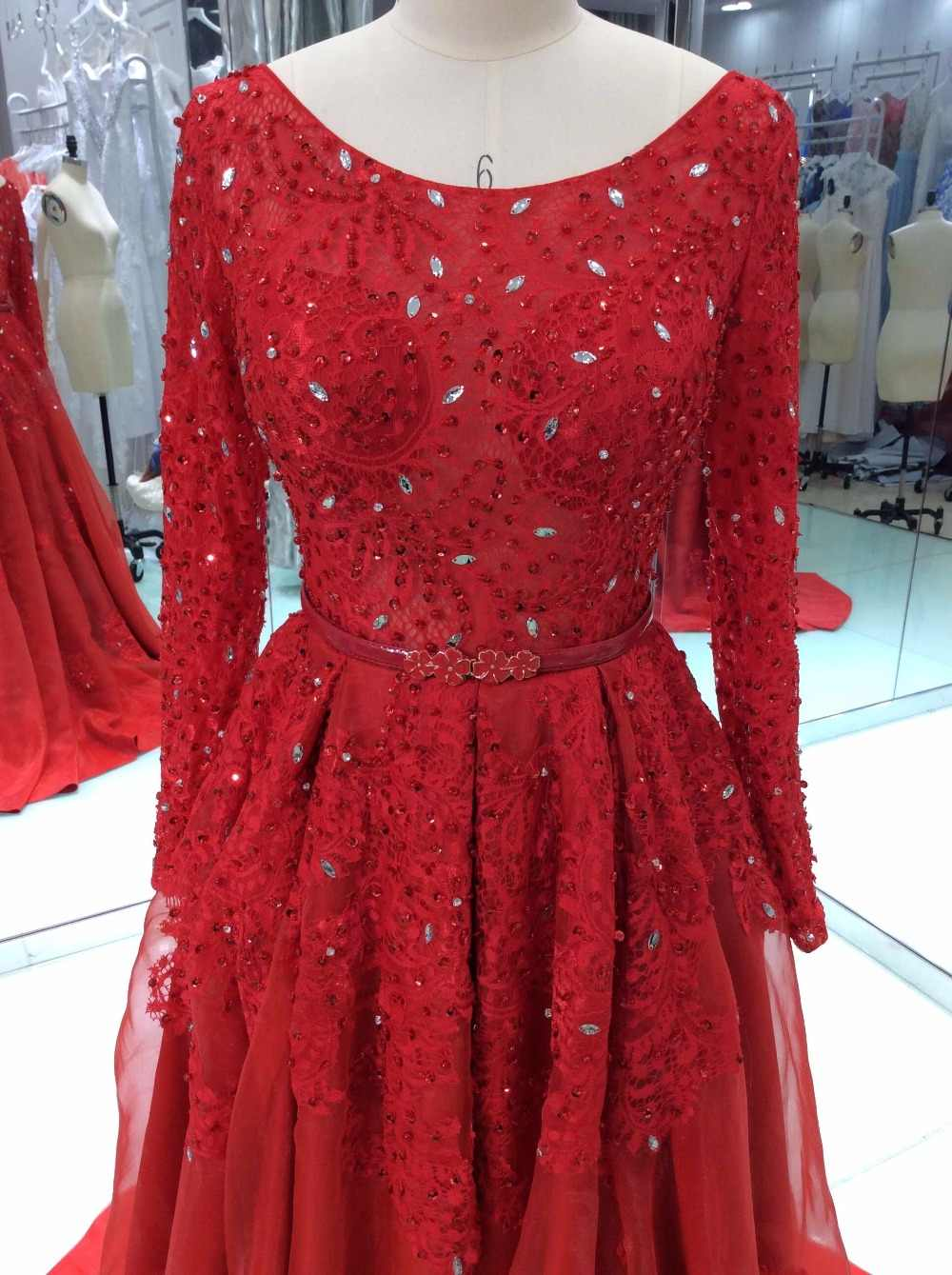 ... Elegant Red Prom Dresses 2018 Ball Gown Long Sleeves Lace Beaded Satin  Long Evening Gown Party 5dd6a50101ec