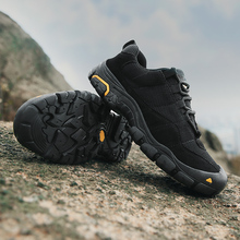 QZHSMY Hiking Shoes Men Clorts 2018 Light For Adult Climbing Shoes Male Black Lace-Up Winter Scarpe Uomo