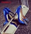 Роскошный Королевский Синий Женщины Свадебная Обувь Кристалл Пряжки Атласные Туфли На Шпильках Шелковый глубоким вырезом Вамп Острым Носом Драгоценностями свадебная Обувь