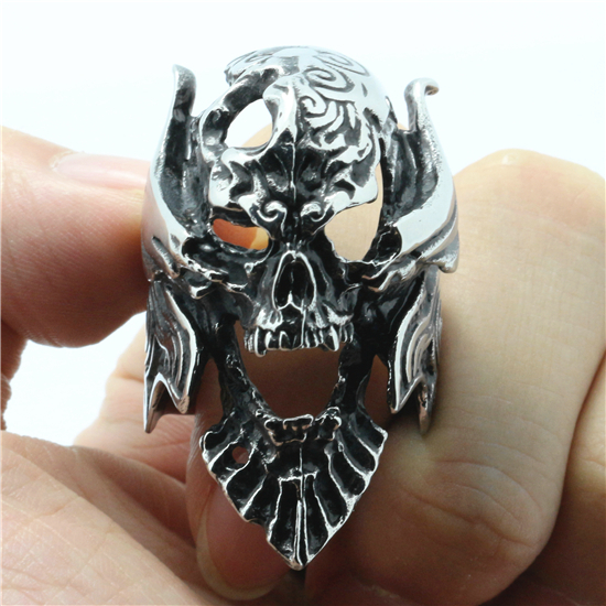 Guarantee 100% Mens Fashion 316L Stainless Steel Huge Vampire King Skull Ring Gothic Pun ...