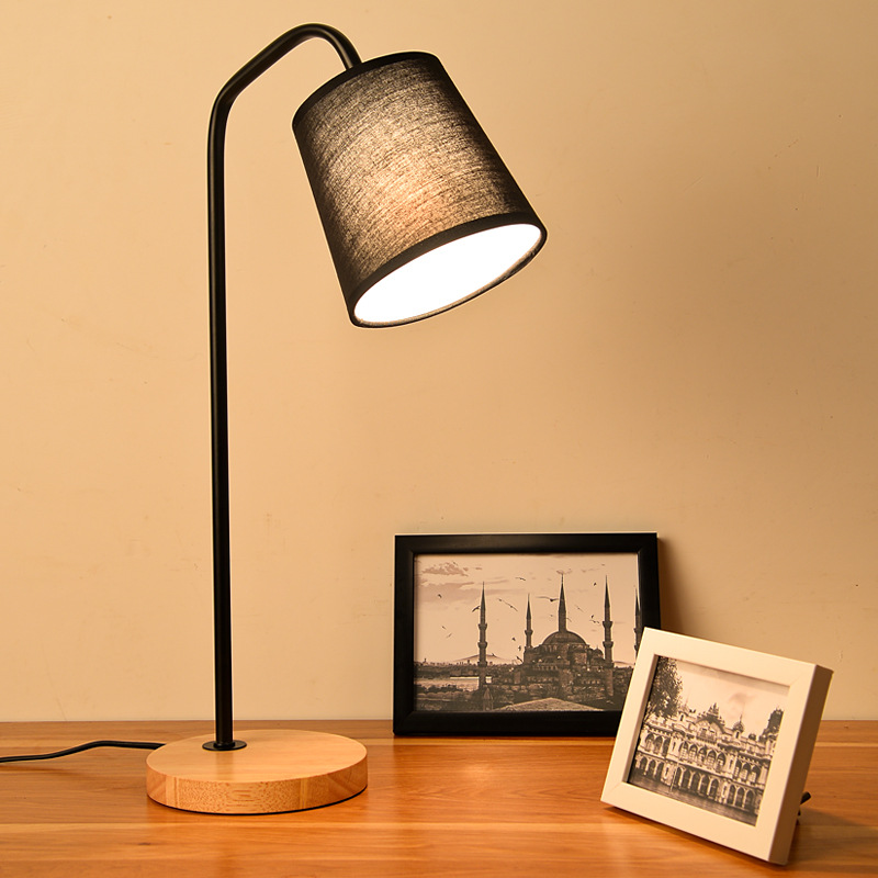 Modern Simple European Table Lamps Living Room Bedroom Bedside Light Study Reading Desk Lamp 90-260V E27 wood Light Base стоимость