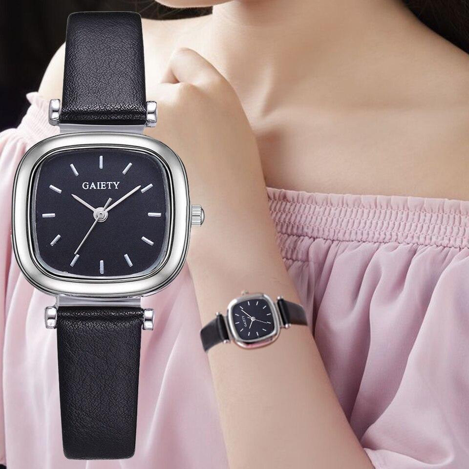 ae60eb286409 Reloj de mujer correa de cuero cuadrado deporte reloj moda Casual señoras  relojes de pulsera para mujeres mujer reloj