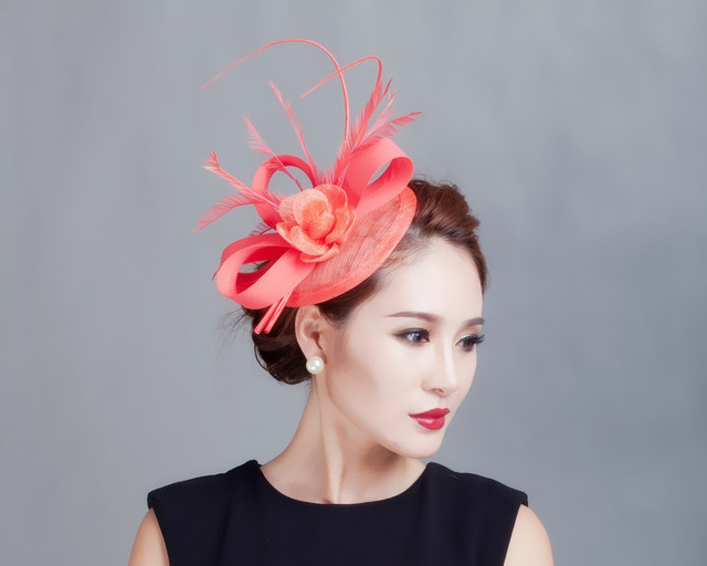 Mini Top Hat Hair Clip Small Wedding Hats And Fascinators Chapeu Casamento  Wedding Hair Accessories Bridal Headwear WIGO0450 377a0ff4b77
