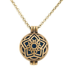 30mm Wholesale Fashion Pentagram Essential Oil Diffusing Necklace Elegant  Wild Simple Aroma Locket Pendant 721a3050cba1