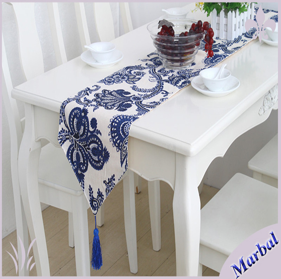 2014 New European Classical Style Blue And White Table Runner Blue