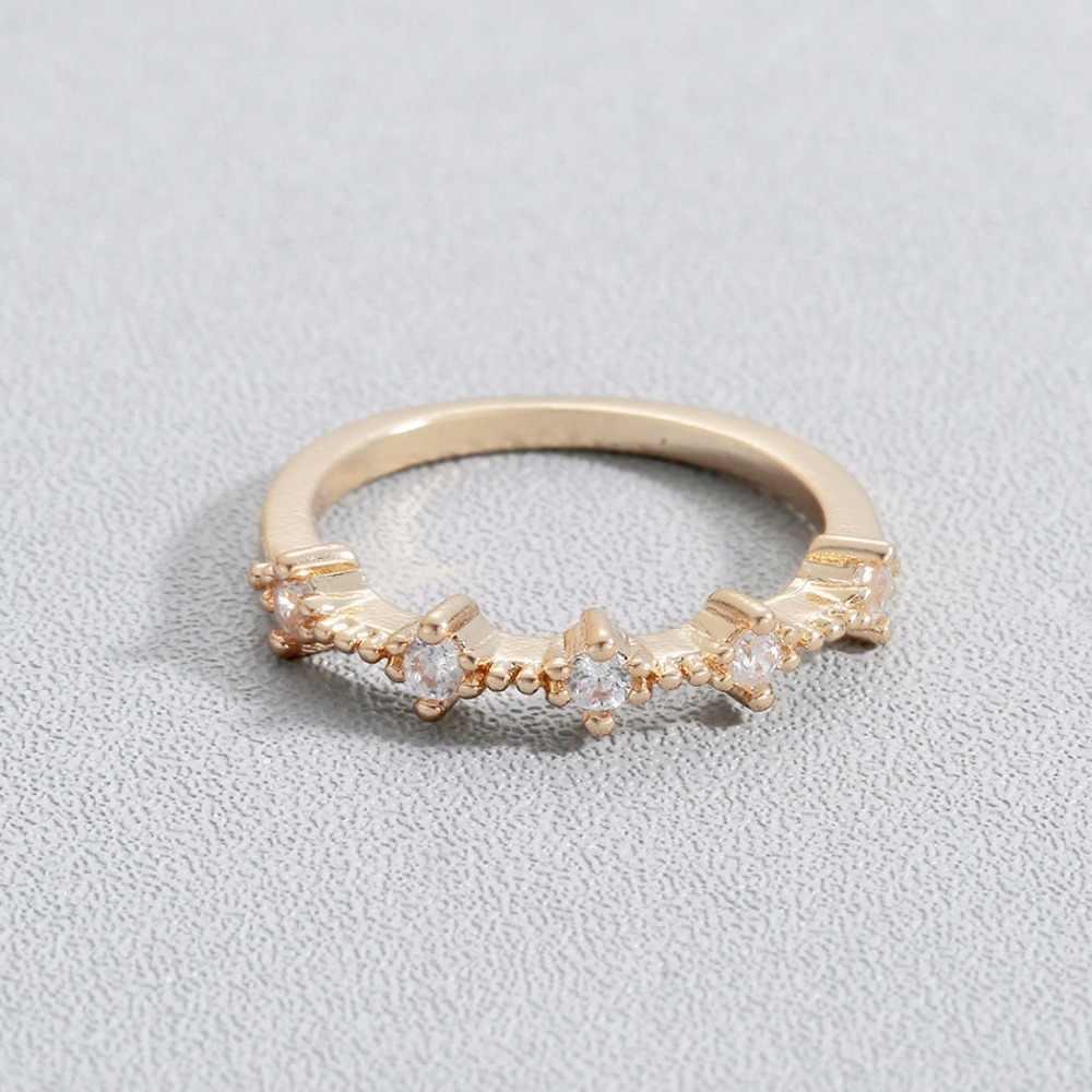คนขายของชำที่ละเอียดอ่อนสีทองโทนน่ารักคริสตัลฝังผู้หญิงปิดแหวนหญิงสีขาว CZ ตกแต่งแหวน