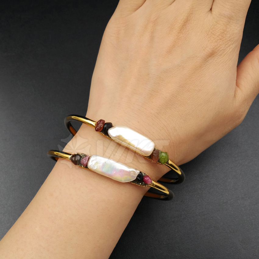 WT B357 Wholesale Custom Natural Pearl Pave Colorful Stone Bangle With 24K Gold Electroplated For Fashion