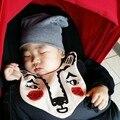 2016 Nueva Ins Hot 100% Algodón Oso Tiger Animal Suave Lindo Bebé Baberos Babador Baberos Paños Para el Eructo Recién Nacido