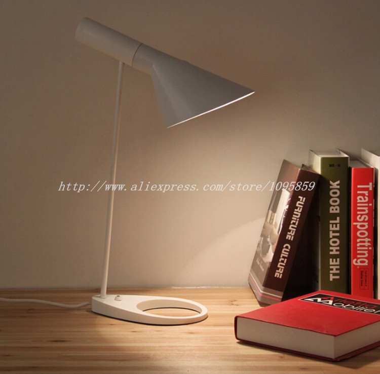 Modern Table Lamp Light Speaker Bedside Lighting Bedroom Desk Lights White/Black Lamps купить