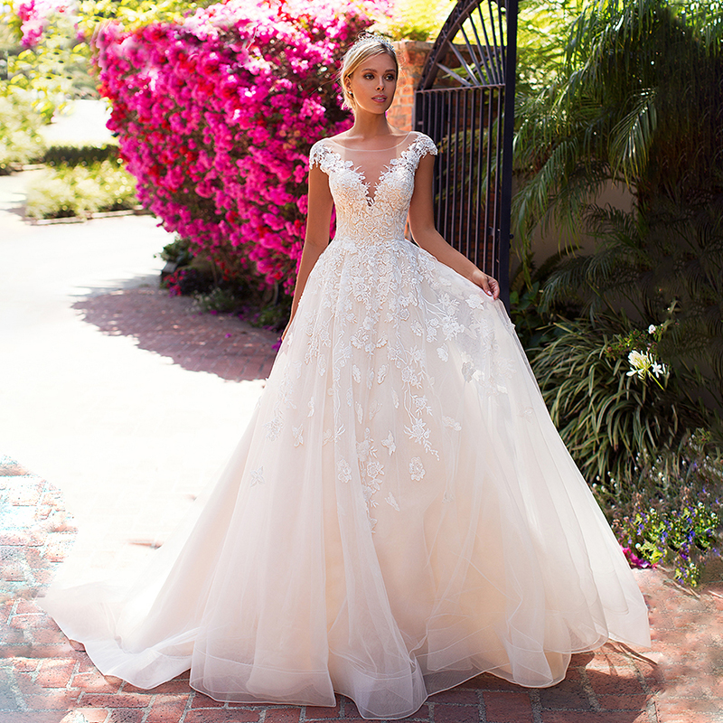 New Champagne A Line Wedding Dresses Cape Sleeves Robe De Mariee Bride Dress Vintage Lace Wedding Gowns Backless Style
