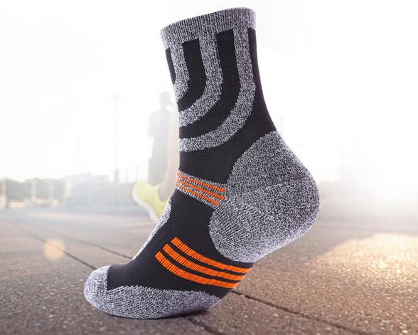 2017 (2 pairs/lot) quality professional comfortable elasticity breathable thick trekking riding bicycle men socks