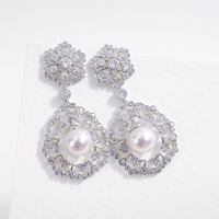 Cmajor S925 Silver Jewelry Retro Palace Hollow Drop Gold and Silver Two Tone Earrings With Pearl Gift For Women Stock
