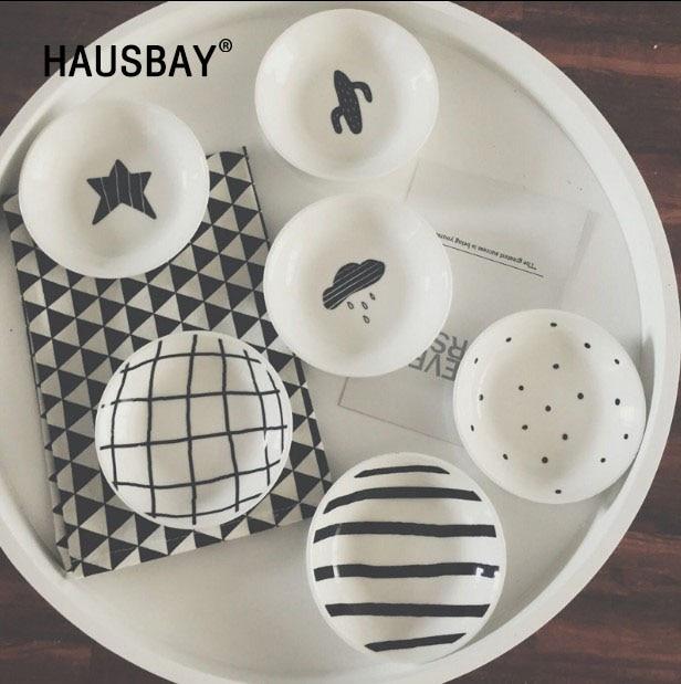 3pcs Mini Dish Cactus Star White Black Ceramic Plate Seasoning Soy Sauce Vinegar Plates Candy Cute Dishes Kitchen Tool 1254