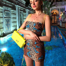 Vestido Sexy para mujer, estampado de mariposa leopardo, moda femenina, correa de hombro estirada, paquete de hombro, vestido de cadera, Mini novedad de verano