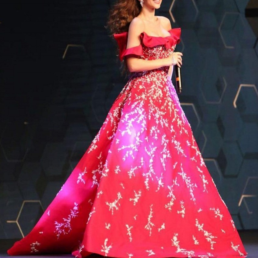 Stunning Prom Gowns robe de bal vestido formatura Red Prom Dresses Appliques Long Formal Dress Appliques