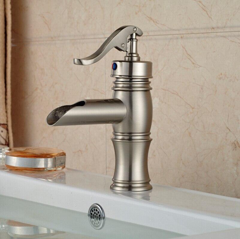 Robinet mitigeur moderne à poignée unique pour salle de bains, robinet mitigeur d'eau froide chaude, robinets de lavabo montés sur le pont de la salle de bains - 2