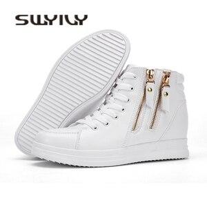 Image 2 - SWYIYV, zapatos blancos para mujer, zapatos informales de moda de primavera y otoño 2018 para mujer, zapatillas de deporte de cuña con cremallera y cierre alto para mujer, zapatos blancos