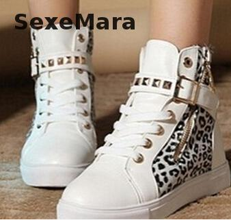 2016 new fashion Autumn Winter Women's Leopard Canvas Shoes With High top Rivet Ankel shoes Breathable Girls Shoes