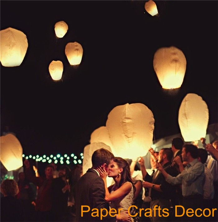 18-flying-paper-sky-lanterns-chinese-wishing-lanterns-559910