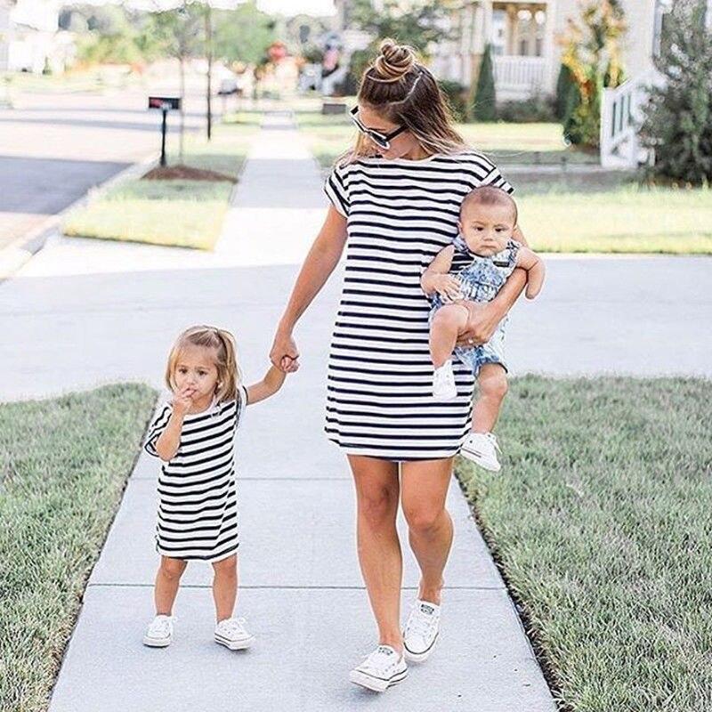 0-4T Summer mother daughter dresses Family matching Clothes Women Girl Short Sleeve Striped Beach Dress vestidos meisjes kleding telle mère telle fille vetement