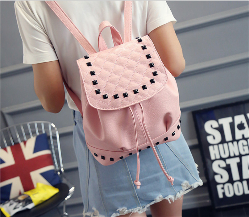 ФОТО Fashion Rivet Womens Backpack Female Washed Leather Backpack Women Mini Backpacks For Teenage Girls 2017 New Summer