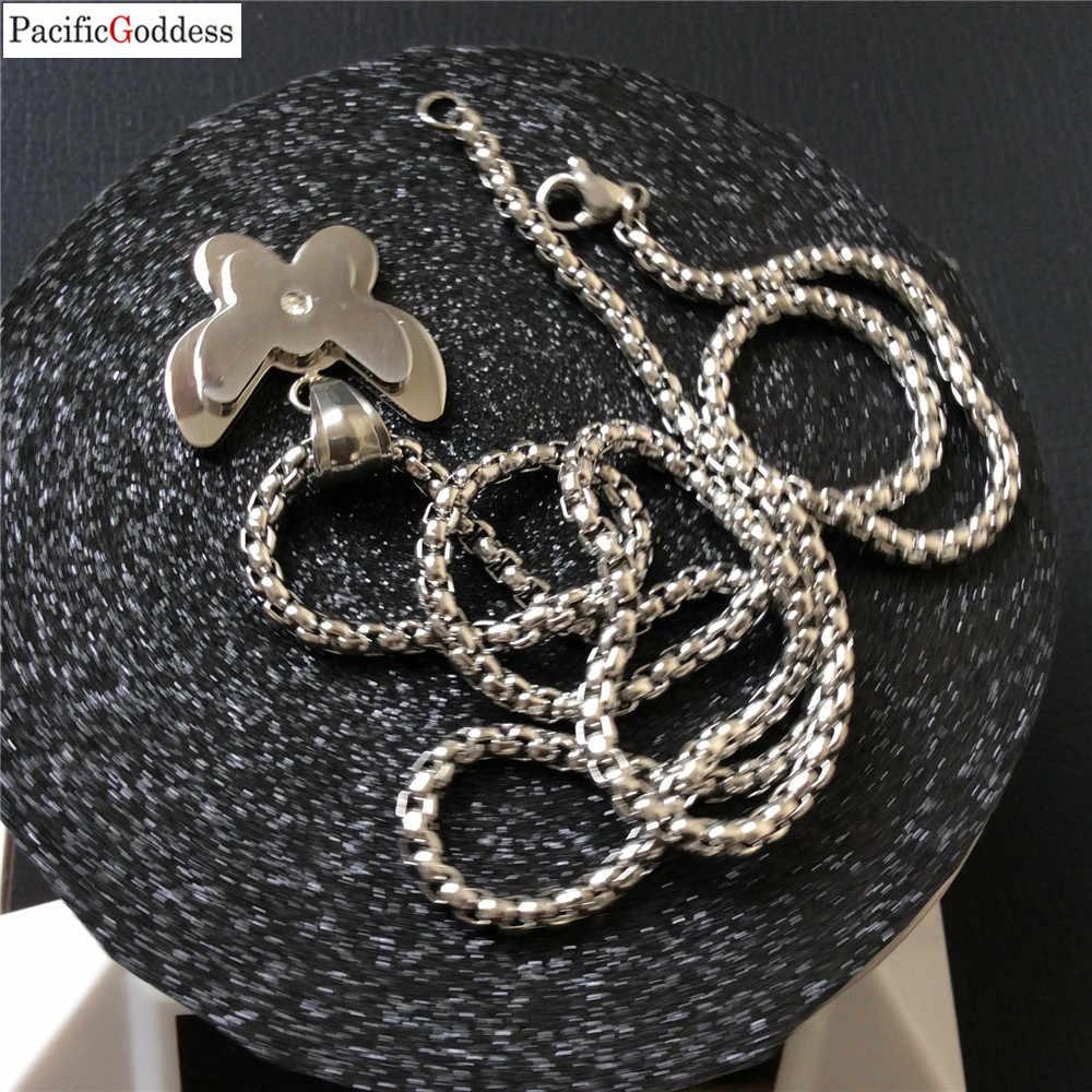 Collana della farfalla Per La moda della ragazza e gli uomini freddo collane del pendente molto bello dei monili