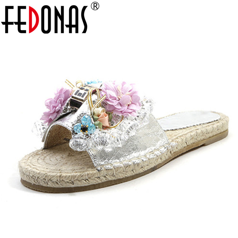 FEDONAS Women Flat Sandals Brand Cute Flowers High Quality Sexy Genuine Leather Shoes Woman Sandals Fashion Ladies Wedding Shoes 2017the mostfashion trends european and american brands genuine flowers ladies luxury short shoes club sexy women s shoes