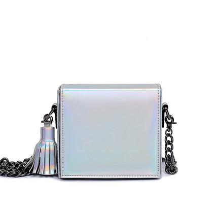 2017 New Hologram Laser Messenger Bags For Teenage Girls Tassel Chains Bag Women Crossbody Bags Optical Maser Laser Leather Bags