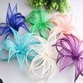 Nueva Llegada Mini Partido Fascinator Sinamay Sombreros Púrpura Azul Verde FashionWedding Haripin de Lino Flor Accesorios Para el Cabello