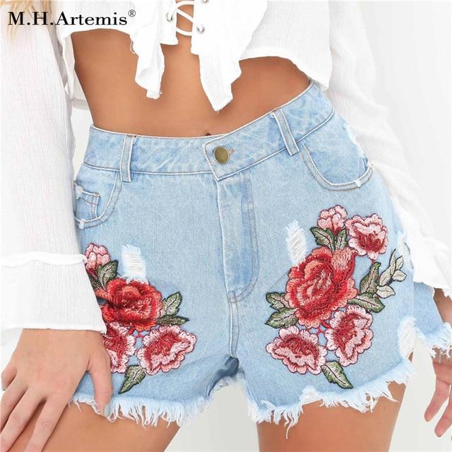 7a1c911c3b2f € 26.57 |M. h. artemis mujeres bordado Rosa Denim Ripped Shorts 2017 verano  moda 3D Rose Hot Shorts bolsillos Pantalones Cortos Mujer en Pantalones ...