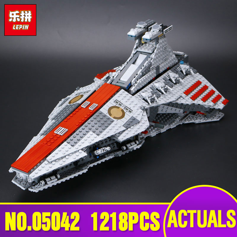 Lepin 05042  Star Series The Republic Fighting Cruiser Set Building Blocks Bricks Educational Toys Wars With 8039 Children Gifts lepin 6125 stucke star classic modell wars die ucs st04 republic cruiser educational building blocks bricks spielzeug mode