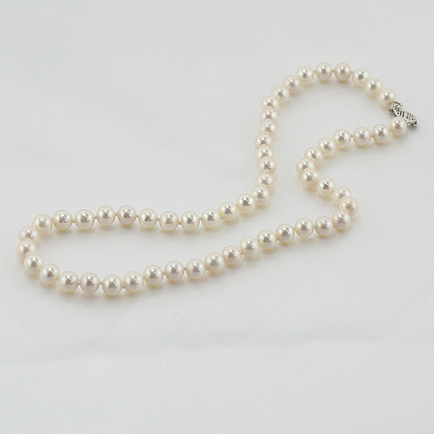 Pearl necklace jewellery is 100% pearl