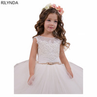 Hot sale Ball Gown holy communion dresses custom made white flower girl dresses for wedding lace appliques beaded pageant gown