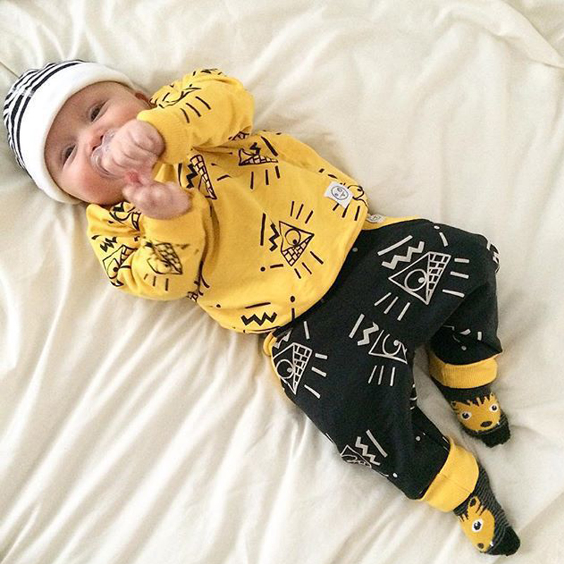 2016 Fashion Autumn Baby Boy Clothes Yellow Long Sleeve T-Shirt + Black Pants Baby Girl Clothes Winter Clothing Set Sport Suit  2016 autumn baby boy set cotton long sleeve print t shirt pants fashion baby boy clothes infant 3pcs suit hat lt01