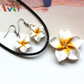 AMGJ Fashion Stylish White Hawaii Flowers Crystal Polymer Clay Earrings Pendant Necklace Set