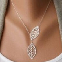 Novelty 2018 designer women's chain necklace fashion simple 2 leaf necklace chain suitable for women's office double leaf jewelr(China)
