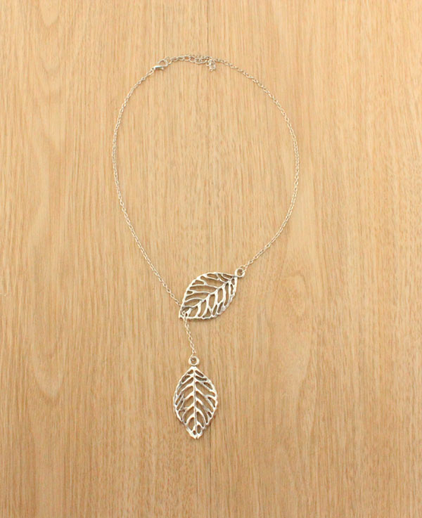 F&U Silver Plated Stunning Celebrity Sideways Vertical Tree Leaf Charm Infinity Pendant Necklace Chain Wedding Fine Jewelry