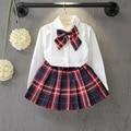 A roupa das crianças em nome de 2016 meninas caem parágrafo gravata borboleta cor sólida shirt + plaid skirt suit T068