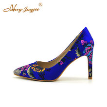 Spring Ethnic Pumps Women Footwear Embroidery Print Flowers Sexy Wedding  Party Dress New Designer Famous Brand Fashion Size 8 9 e26fde37a9f6