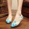 Шелк Хлопок Ткань Женщины Цветок Вышивка Обувь Острым Носом Дамы Китайский Стиль Невесты Cheongsam Платье Квартиры Zapatos Mujer