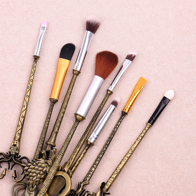5 Colors Movie Game of Thrones Makeup Brush Set Soft Synthetic Collection Kit with Powder Contour Eyeshadow Eyebrow Lips Brushes 3