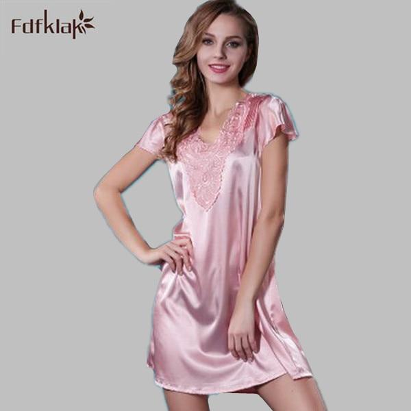 chemise de nuit ensemble en soie satin lingerie longue dentelle chemise de nuit grande taille. Black Bedroom Furniture Sets. Home Design Ideas
